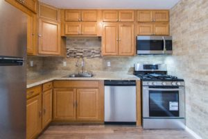16712 WARDLOW RD, UPPER MARLBORO, MD 20772-kitchen